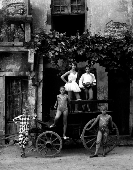 Lucien CLERGUE La Grande Parade, Arles, 1955, (réf. Parade 10), silver print, signed and numbered, Ed.30